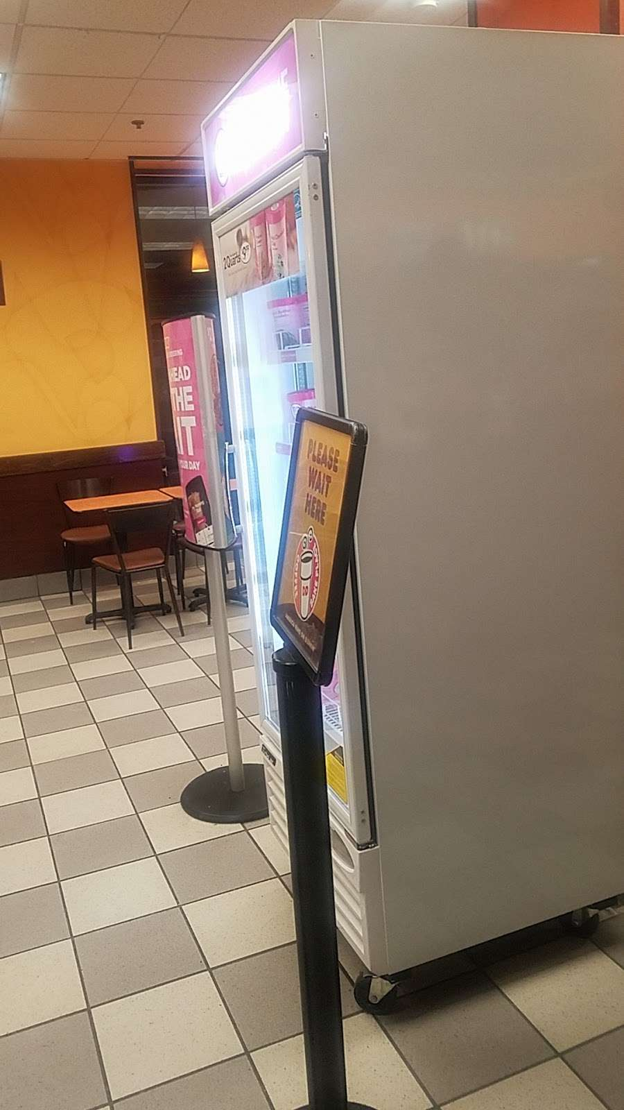 Dunkin Donuts - cafe  | Photo 7 of 10 | Address: 850 Bronx River Rd, Yonkers, NY 10708, USA | Phone: (914) 237-5921
