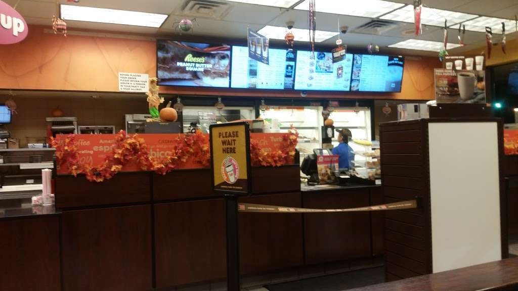 Dunkin Donuts - cafe  | Photo 2 of 10 | Address: 9001 Bergenline Ave, North Bergen, NJ 07047, USA | Phone: (201) 662-1111