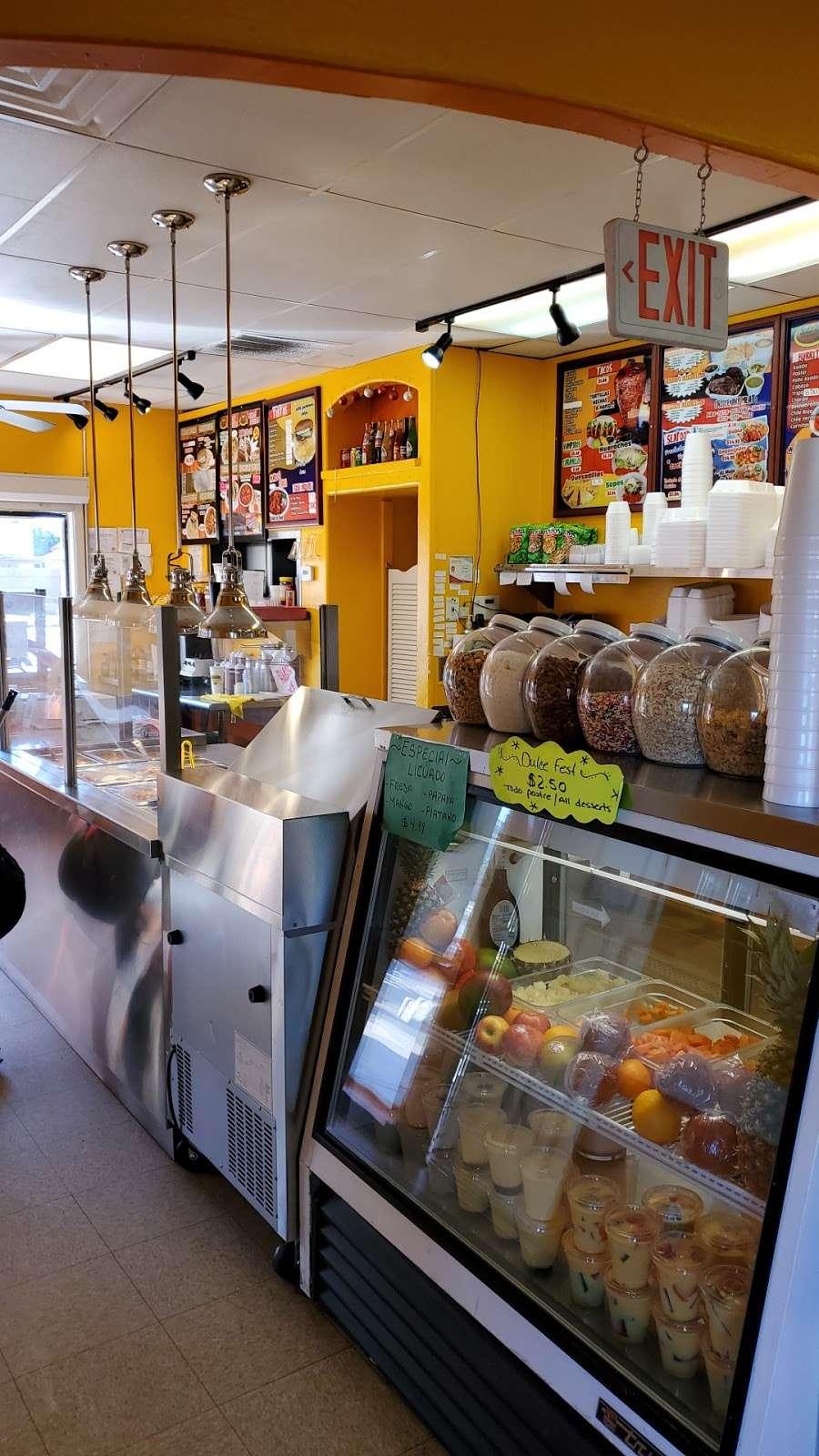 Salsitas Mexican Food - restaurant  | Photo 8 of 10 | Address: 10328 W Indian School Rd, Phoenix, AZ 85037, USA | Phone: (623) 872-5328