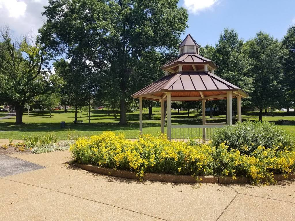 Lindenwood Park - park  | Photo 3 of 10 | Address: Pernod Ave & Jamieson Avenue, St. Louis, MO 63139, USA | Phone: (314) 622-4800