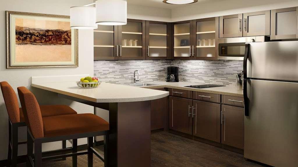 Staybridge Suites Houston East - Baytown - lodging  | Photo 4 of 10 | Address: 7626 Garth Rd, Baytown, TX 77521, USA | Phone: (281) 421-0030