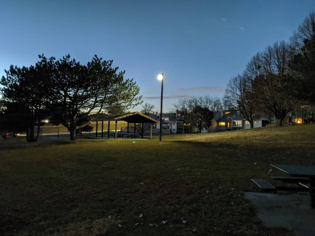 Applewood Heights Park - park    Photo 1 of 6   Address: 10706 Washington Dr, Omaha, NE 68127, USA   Phone: (402) 444-5900