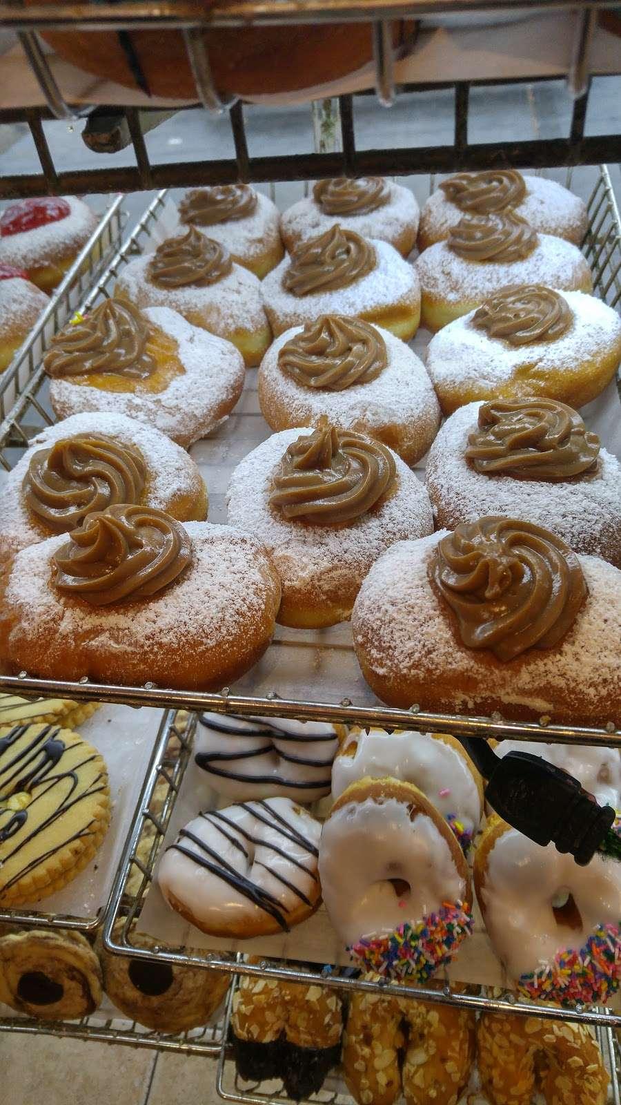 Gombos Heimishe Bakery - bakery    Photo 10 of 10   Address: 328 Kingston Ave, Brooklyn, NY 11213, USA   Phone: (718) 771-7701
