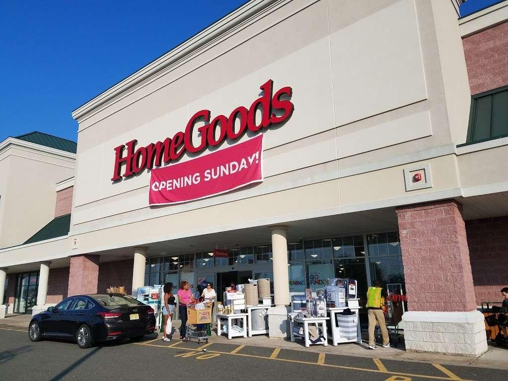HomeGoods - department store  | Photo 3 of 10 | Address: 110 Lefante Way, Bayonne, NJ 07002, USA | Phone: (201) 339-2301