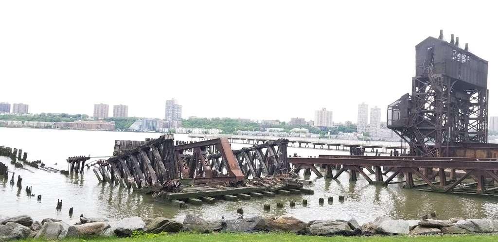 New York, Pier, Riverside Park - park  | Photo 4 of 10 | Address: New York, NY 10069, USA