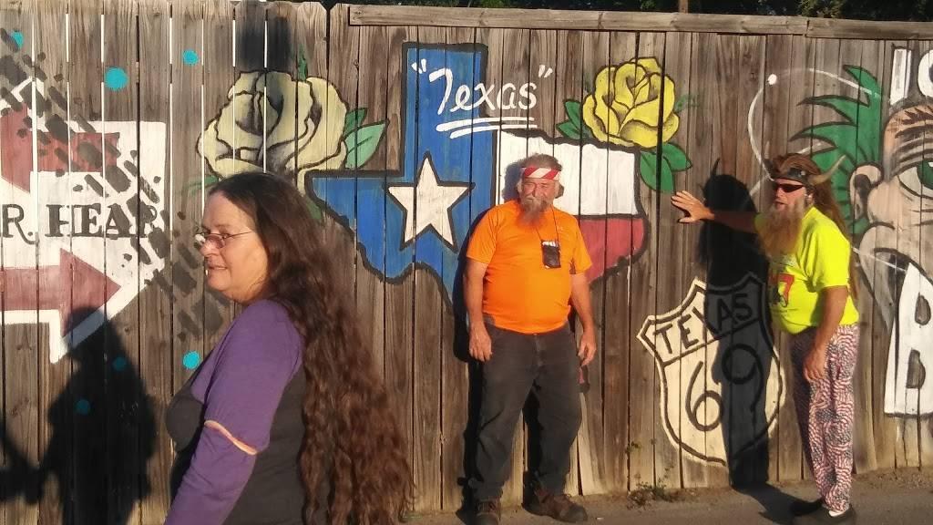 The Cottage Lounge - restaurant  | Photo 6 of 10 | Address: 3006 W Northwest Hwy, Dallas, TX 75220, USA | Phone: (469) 729-9626