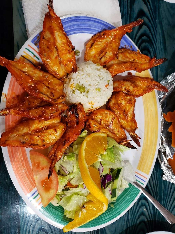 Las Islitas Mariscos Estilo Nayarit - restaurant  | Photo 2 of 10 | Address: 4610 Farm to Market 1960 Rd W P, Houston, TX 77069, USA | Phone: (281) 781-7336