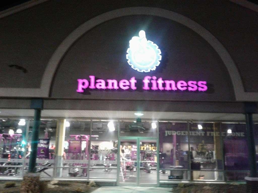 Planet Fitness - gym    Photo 3 of 10   Address: 175 Avenue A, Bayonne, NJ 07002, USA   Phone: (201) 858-4444
