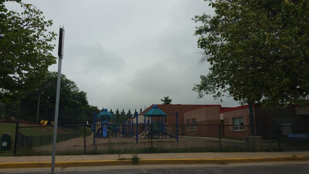 Weyanoke Elementary School - school  | Photo 1 of 1 | Address: 6520 Braddock Rd, Alexandria, VA 22312, USA | Phone: (703) 813-5400
