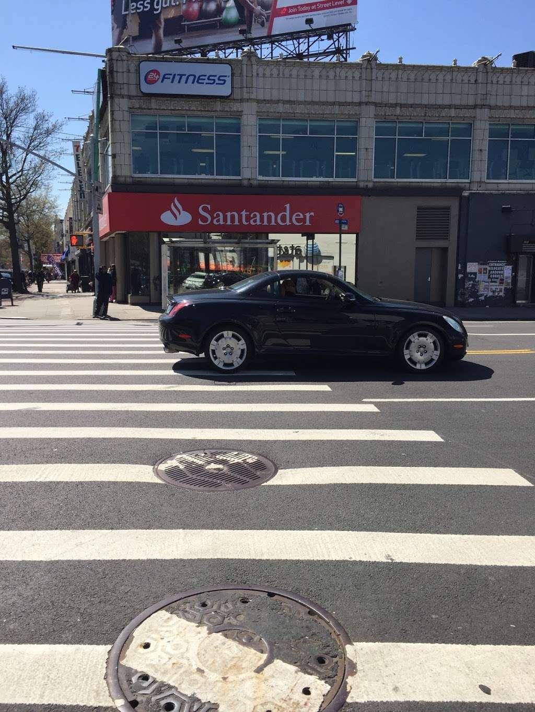 Santander Bank - bank  | Photo 4 of 10 | Address: 961 Kings Hwy, Brooklyn, NY 11223, USA | Phone: (718) 336-4713
