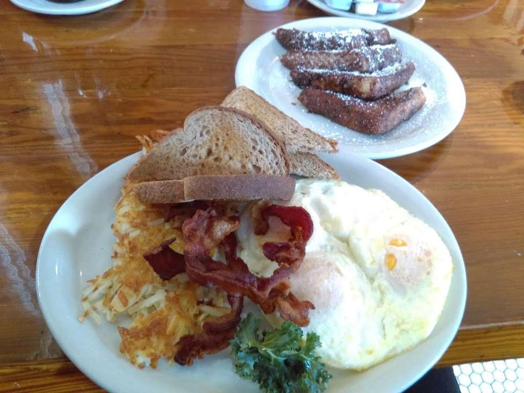 Millers Seawall Grill - restaurant    Photo 5 of 10   Address: 1824 Seawall Blvd, Galveston, TX 77550, USA   Phone: (409) 763-8777