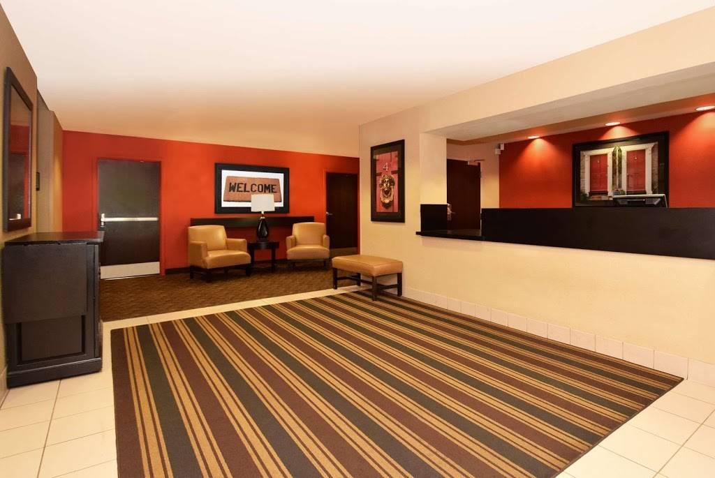 Extended Stay America - Hampton - Coliseum - lodging  | Photo 4 of 9 | Address: 1915 Commerce Dr, Hampton, VA 23666, USA | Phone: (757) 896-3600