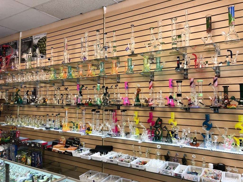 PuffCity Rockaway - store  | Photo 3 of 10 | Address: 337 US-46, Rockaway, NJ 07866, USA | Phone: (973) 784-4757