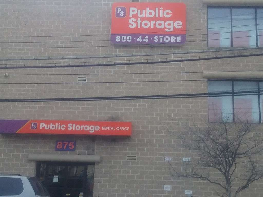 Public Storage - storage  | Photo 5 of 7 | Address: 875 Brush Ave, Bronx, NY 10465, USA | Phone: (347) 352-9538