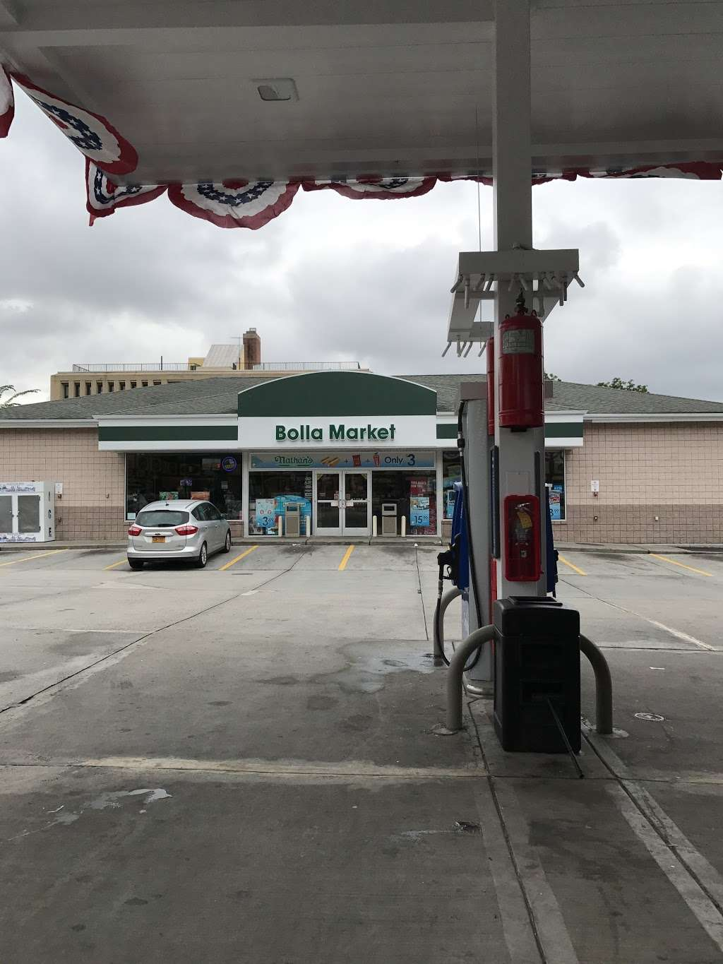 Mobil - gas station  | Photo 3 of 9 | Address: 3132 Fort Hamilton Pkwy, Brooklyn, NY 11218, USA | Phone: (718) 436-2846