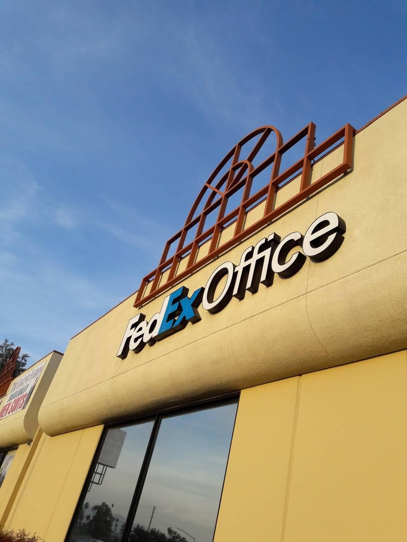 FedEx Office Print & Ship Center - store  | Photo 6 of 9 | Address: 1440 S E St Suite B, San Bernardino, CA 92408, USA | Phone: (909) 381-6282