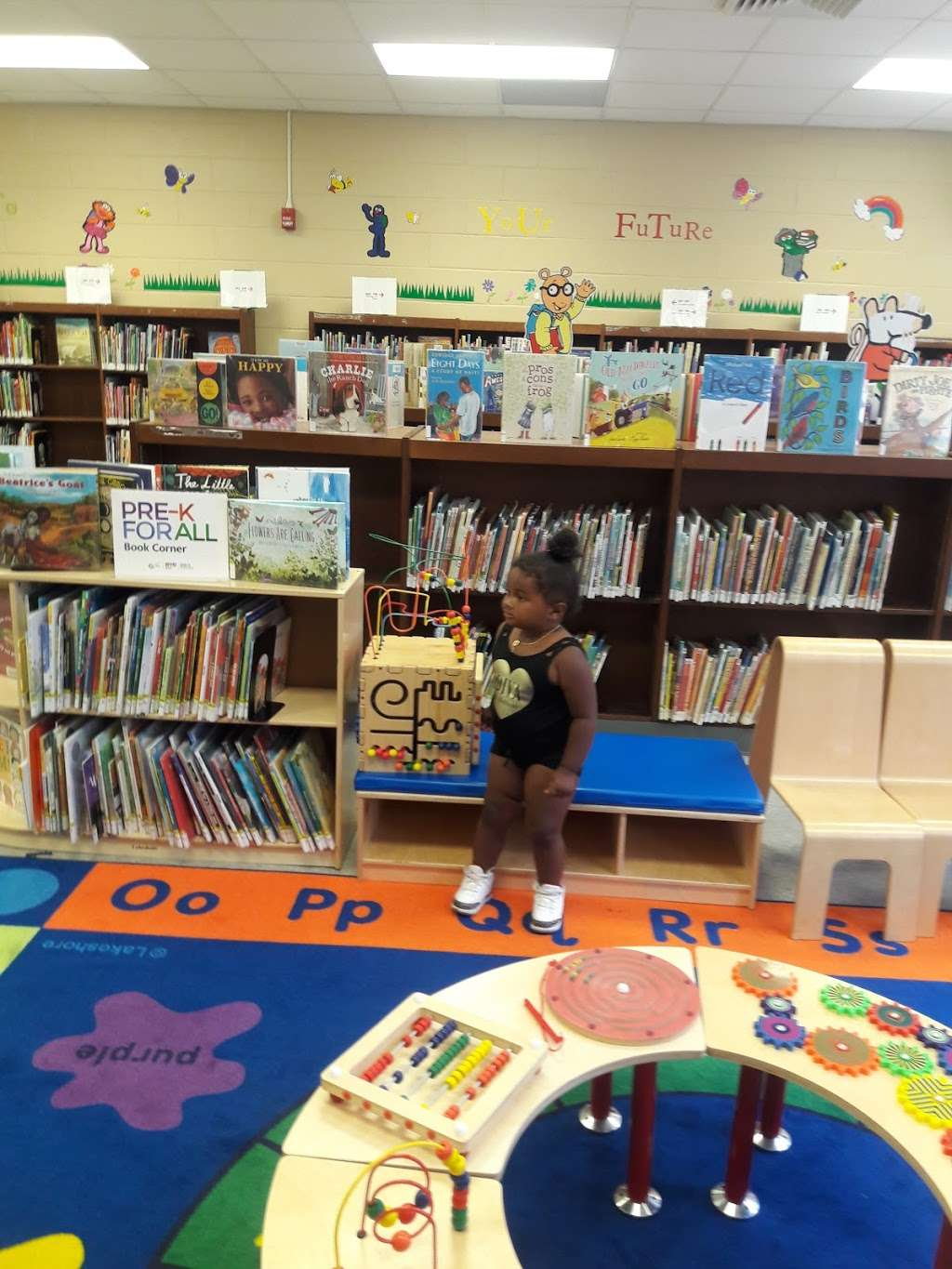 Throgs Neck Library - library  | Photo 2 of 7 | Address: 3025 Cross Bronx Expy, The Bronx, NY 10465, USA | Phone: (718) 792-2612