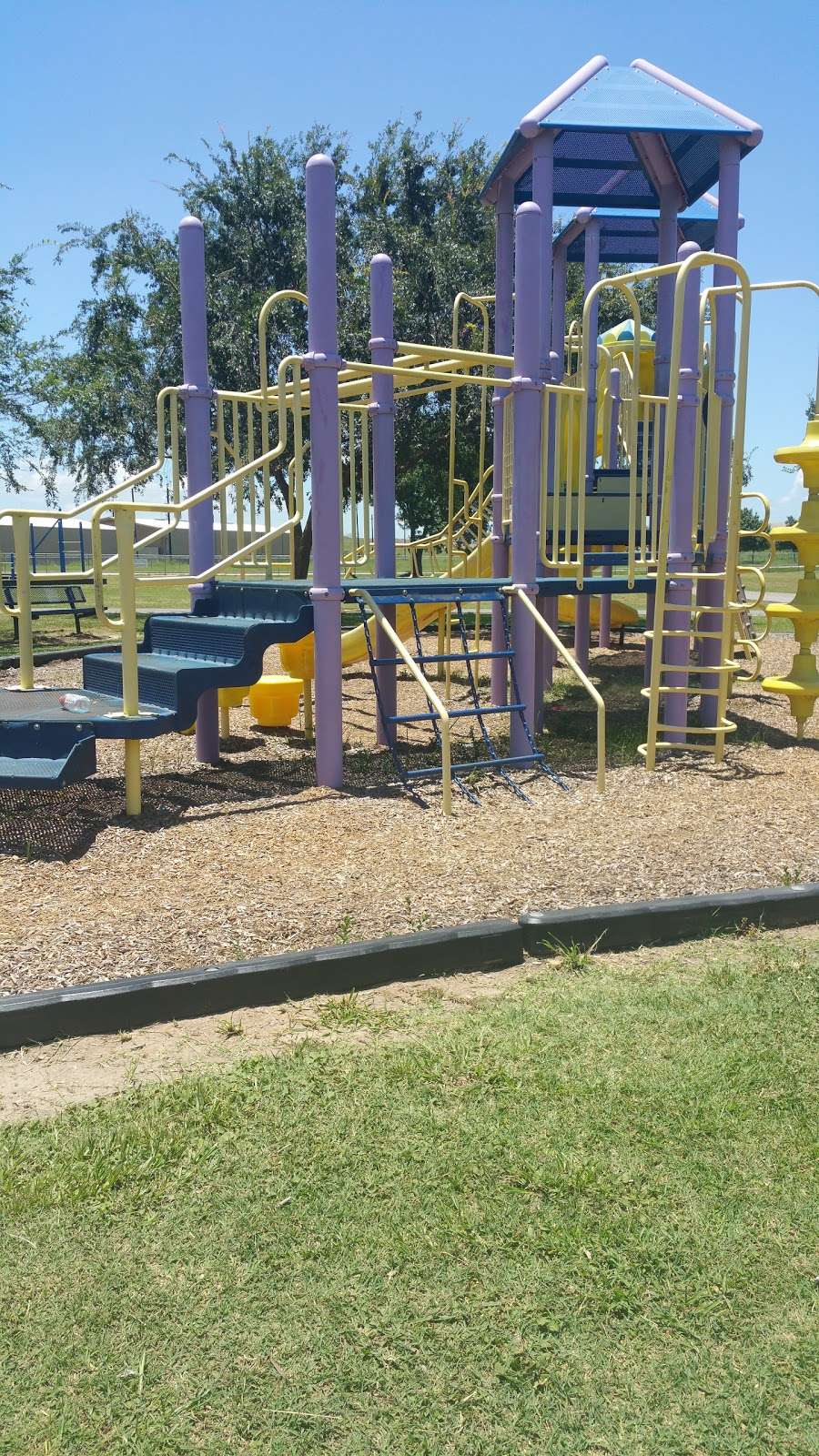 Four Corners Recreation Center - park  | Photo 2 of 10 | Address: 15700 Old Richmond Rd, Sugar Land, TX 77498, USA | Phone: (281) 835-9419