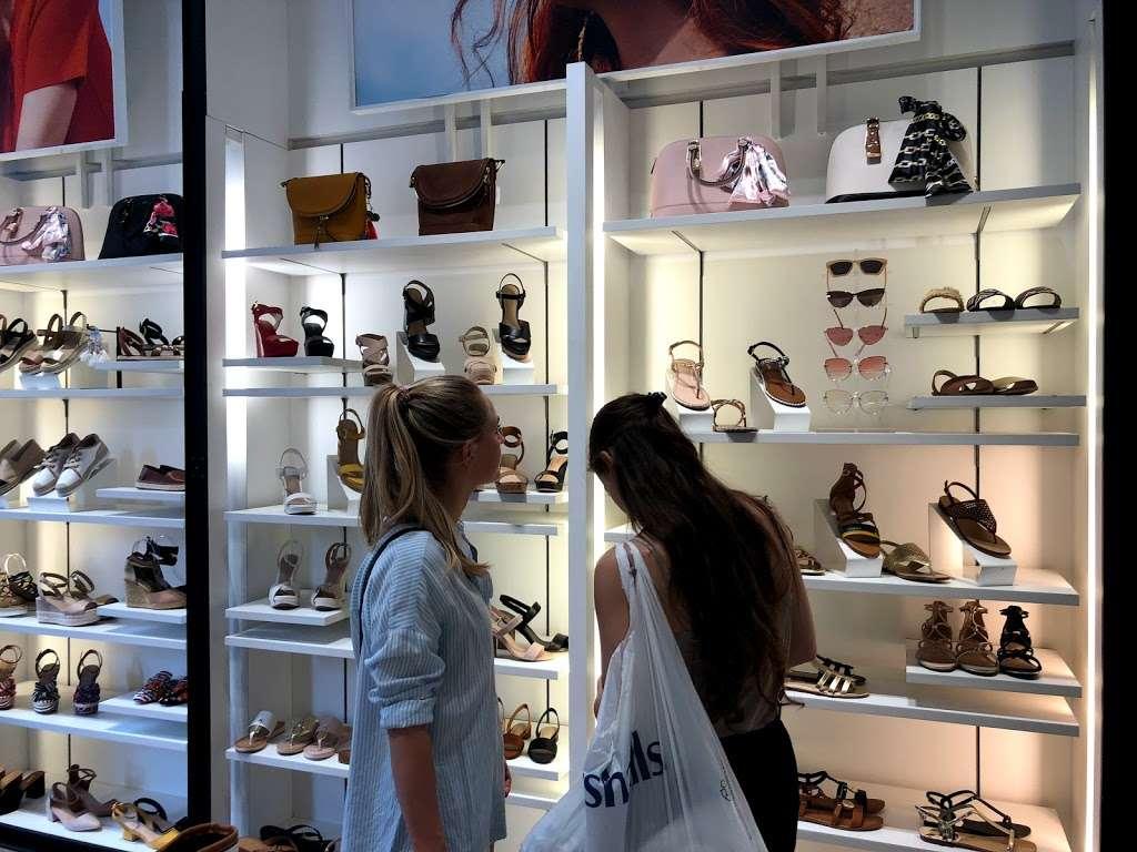 Aldo - shoe store  | Photo 5 of 10 | Address: 97 5th Ave, New York, NY 10003, USA | Phone: (212) 229-9865