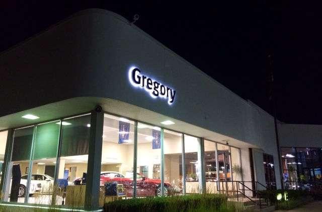 Gregory INFINITI - car dealer  | Photo 6 of 10 | Address: 1121 S Milwaukee Ave, Libertyville, IL 60048, USA | Phone: (847) 362-9200