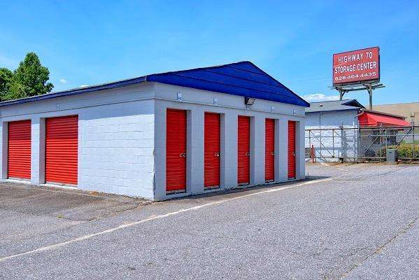 First USA Storage - storage  | Photo 2 of 5 | Address: 3005 Nathan St, Newton, NC 28658, USA | Phone: (828) 634-7649