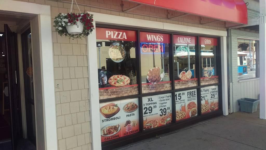 Bella Gina Pizza - restaurant  | Photo 8 of 10 | Address: 2218 Atlantic Ave, Virginia Beach, VA 23451, USA | Phone: (757) 422-2196