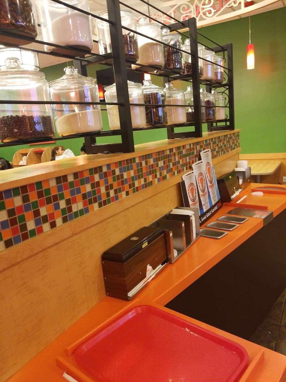 Popeyes Louisiana Kitchen - restaurant  | Photo 7 of 10 | Address: 237 Monmouth St, Jersey City, NJ 07302, USA | Phone: (201) 885-2085