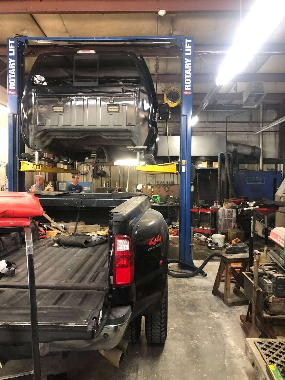 Midwest Turbo and Diesel Service - car repair    Photo 2 of 10   Address: 4510 Merriam Dr, Shawnee, KS 66203, USA   Phone: (913) 432-2202