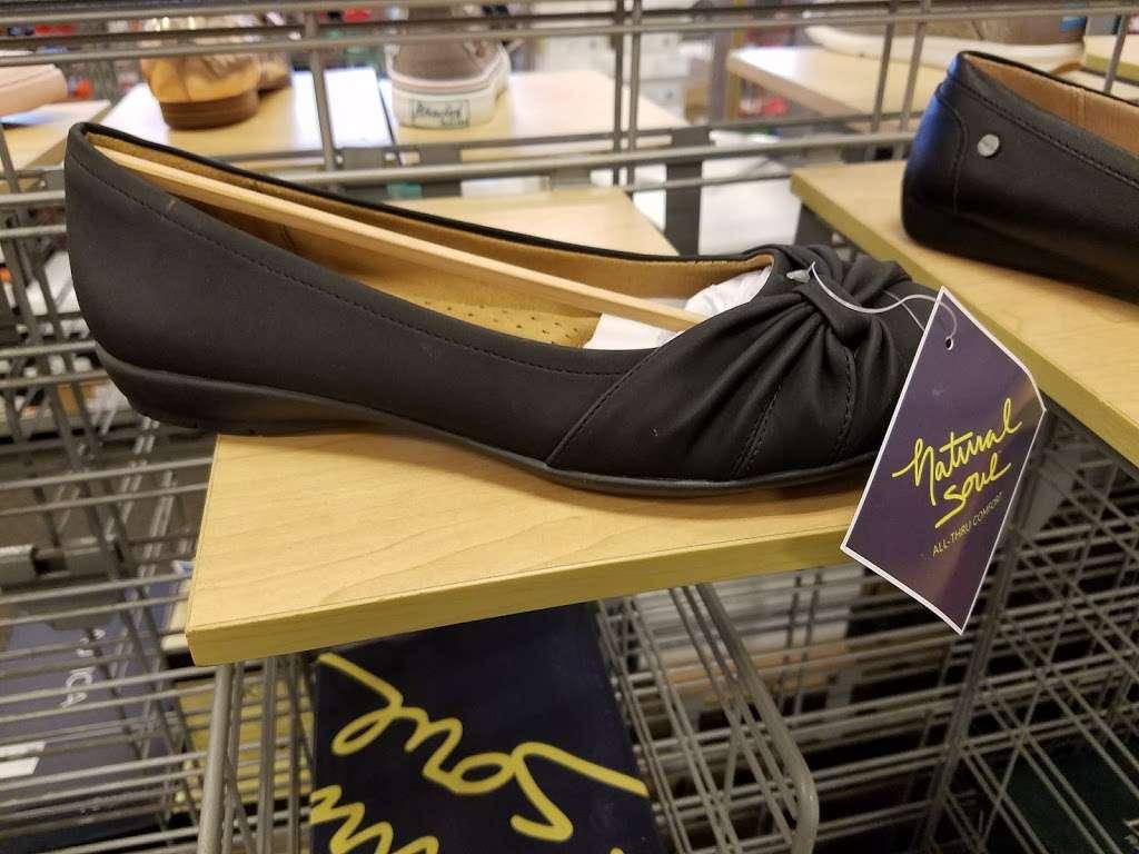 Marshalls - department store  | Photo 3 of 10 | Address: 849 Pelham Pkwy, Pelham Manor, NY 10803, USA | Phone: (914) 637-2569