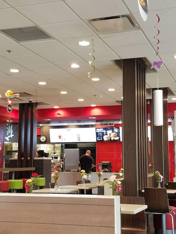 McDonalds - cafe  | Photo 6 of 10 | Address: 7031 Ogden Ave, Berwyn, IL 60402, USA | Phone: (708) 484-8047