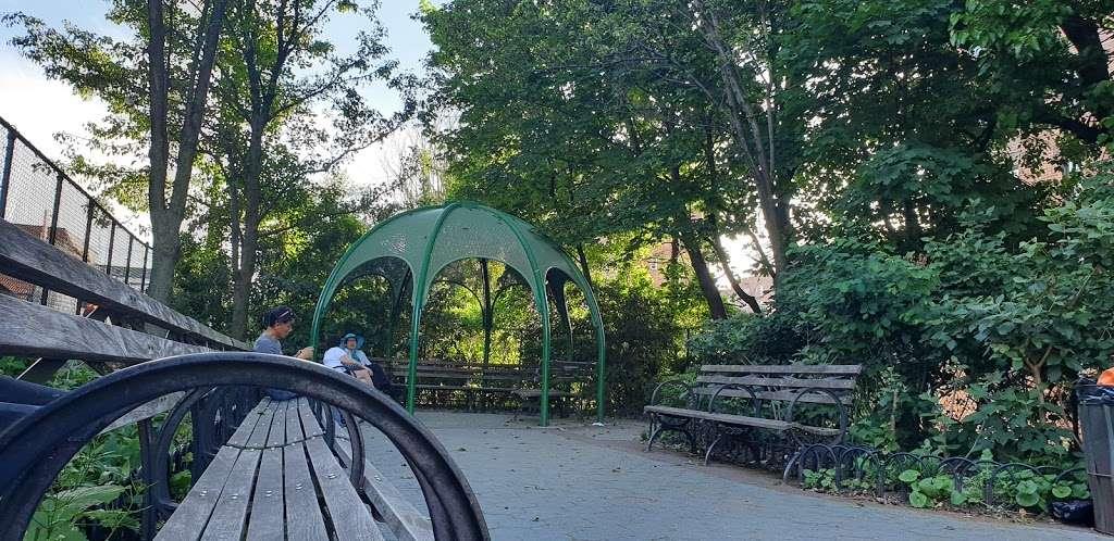 Plaza 67 - park  | Photo 1 of 5 | Address: 67-04 Austin St, Flushing, NY 11375, USA