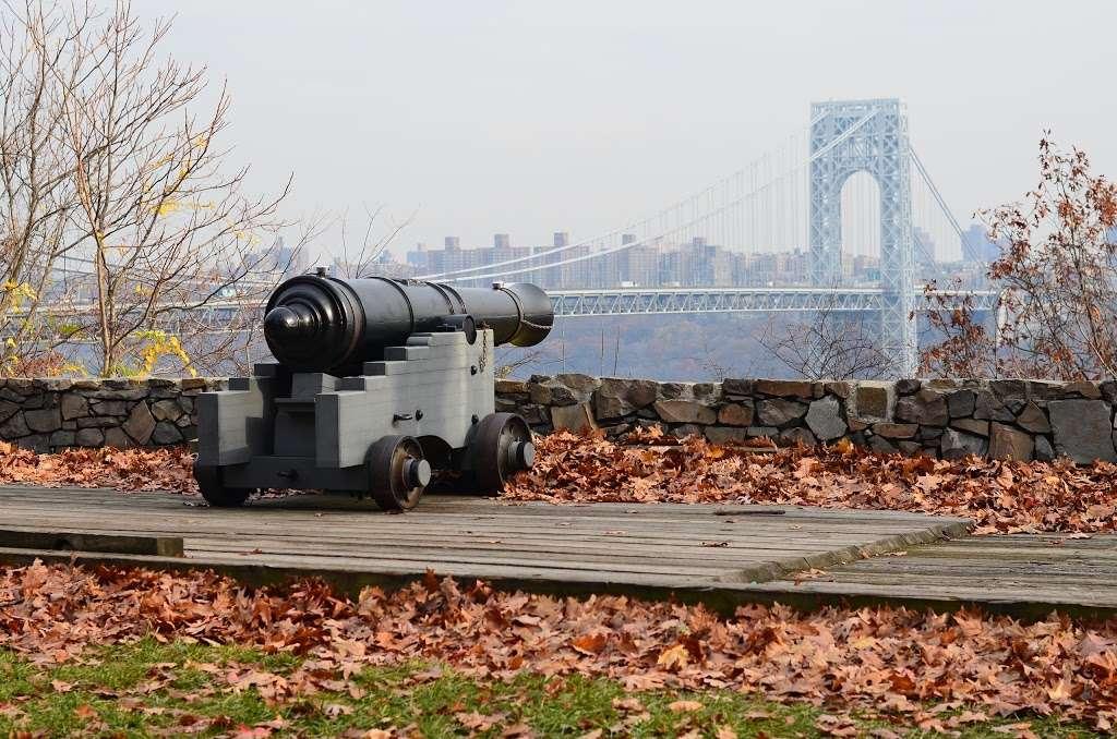 Fort Lee Historic Park - park  | Photo 10 of 10 | Address: Hudson Terrace, Fort Lee, NJ 07024, USA | Phone: (201) 461-1776