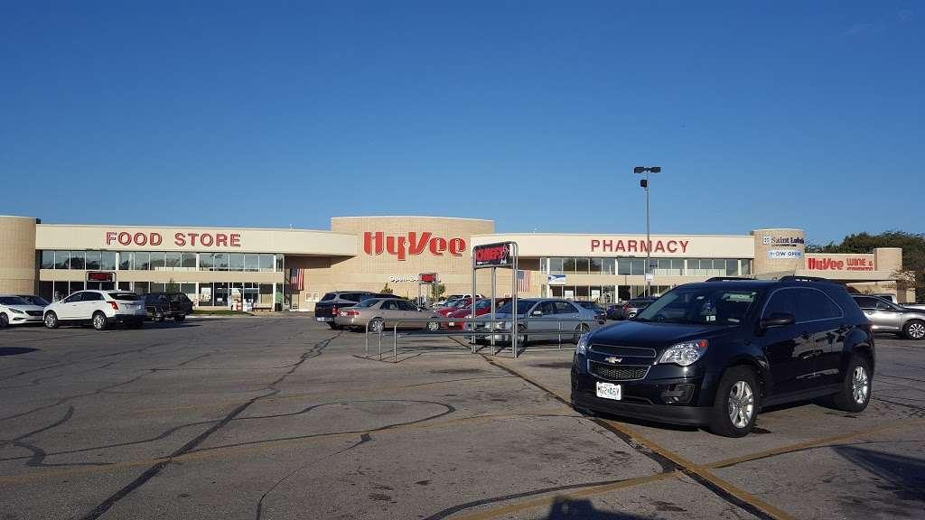 Hy-Vee - supermarket  | Photo 3 of 10 | Address: 310 SW Ward Rd, Lees Summit, MO 64081, USA | Phone: (816) 554-2200