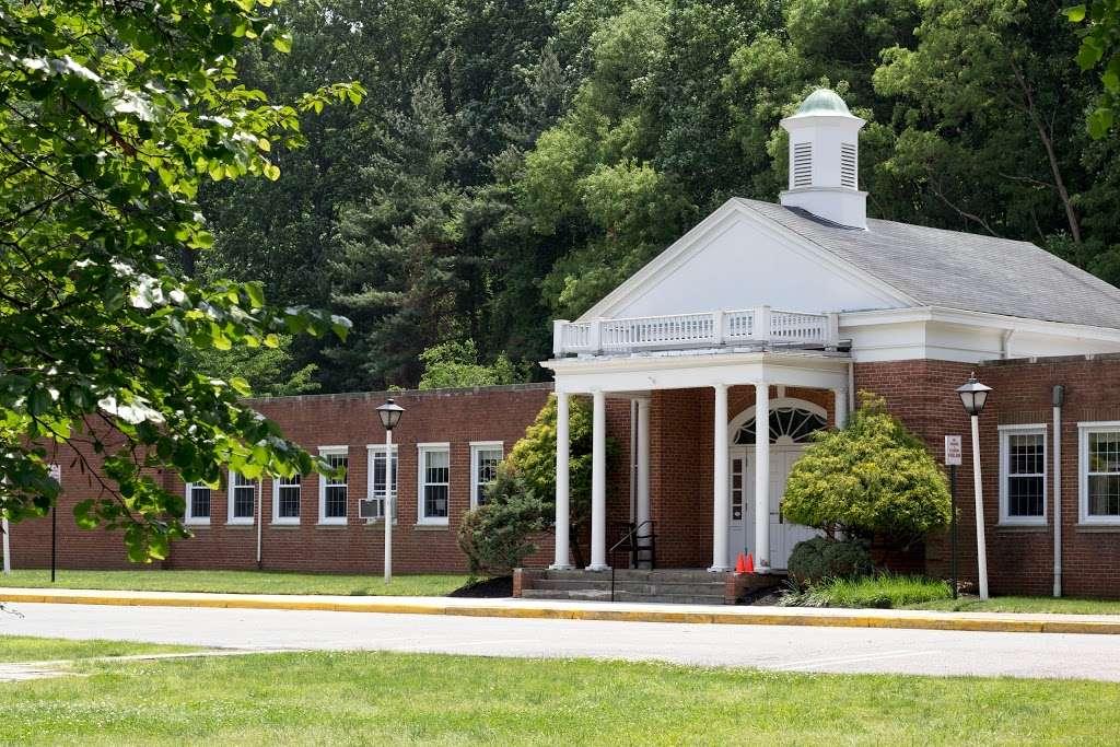 Congressional School - school    Photo 1 of 10   Address: 3229 Sleepy Hollow Rd, Falls Church, VA 22042, USA   Phone: (703) 533-9711