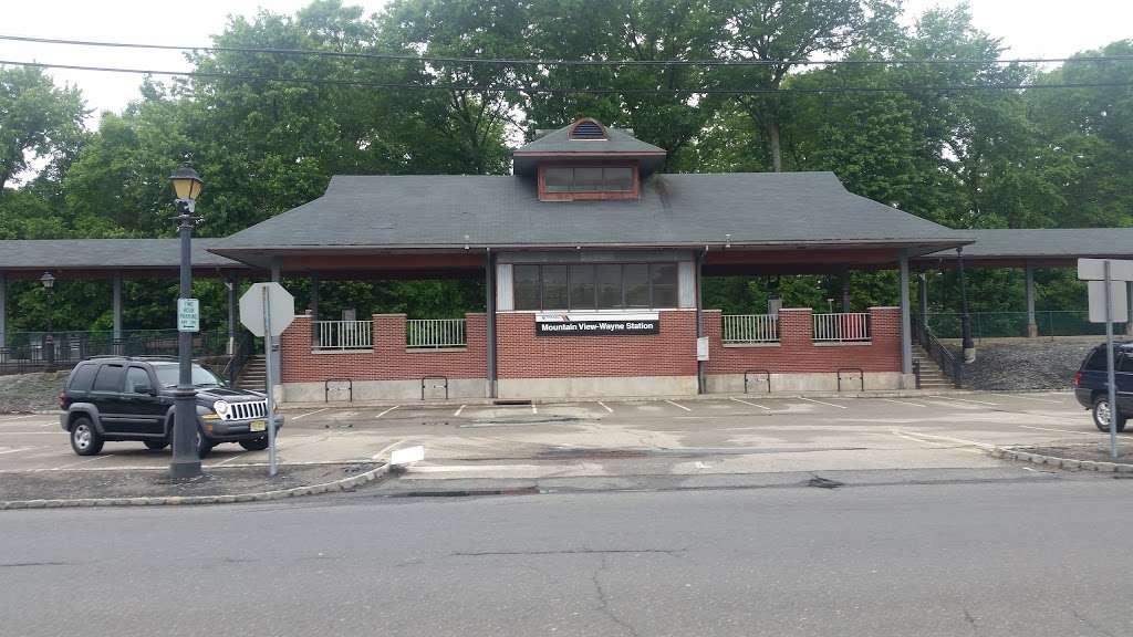 Mountain View-Wayne Station - train station    Photo 2 of 10   Address: 11 Erie Ave, Wayne, NJ 07470, USA