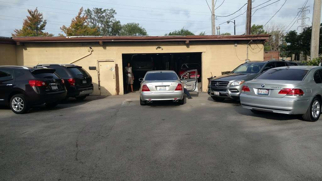 Lil Logans Collision - car repair    Photo 5 of 10   Address: 11815 S Halsted St, Chicago, IL 60628, USA   Phone: (773) 785-7425