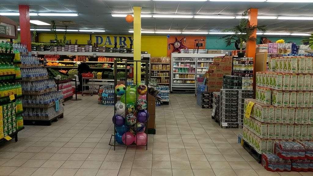 El Toro Loco - store    Photo 4 of 10   Address: 3001-3077 Taft Hwy, Bakersfield, CA 93313, USA   Phone: (661) 831-1852