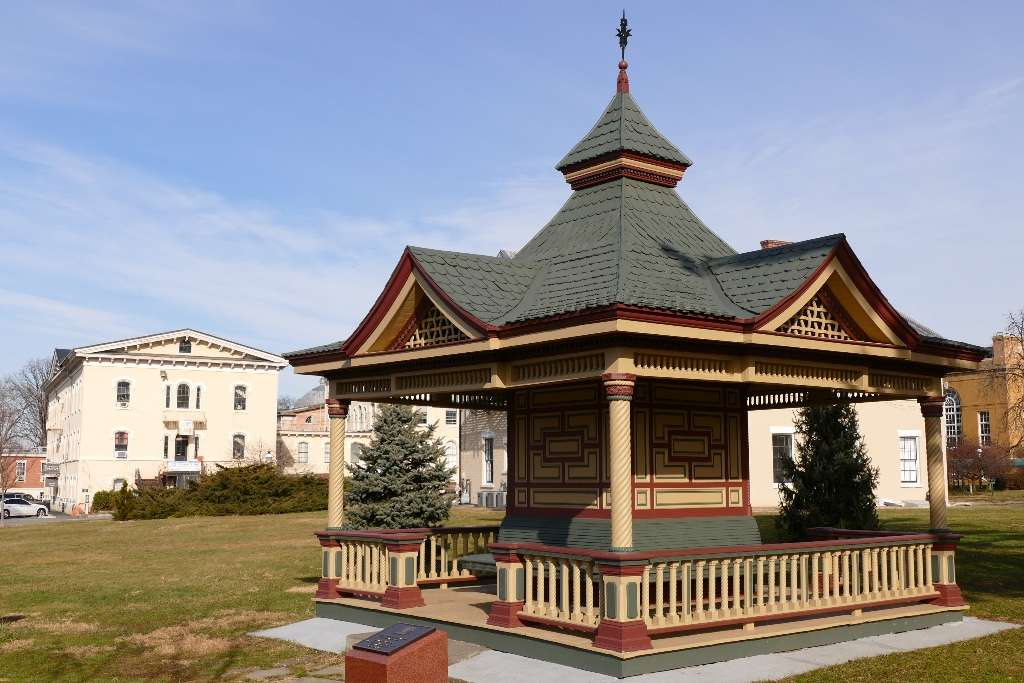 Weissglass Gazebo - Park | Weissglass Gazebo, 1000 Richmond