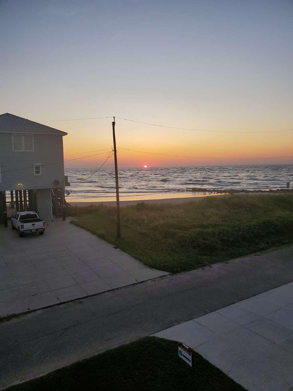 Treasure Trove Vacation Rental - lodging  | Photo 1 of 10 | Address: 13131 Gulf Beach Dr, Freeport, TX 77541, USA | Phone: (979) 799-6970