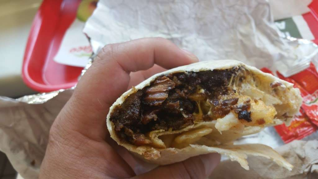 Del Taco - meal takeaway  | Photo 4 of 10 | Address: 30607 CA-79, Temecula, CA 92592, USA | Phone: (951) 693-4212