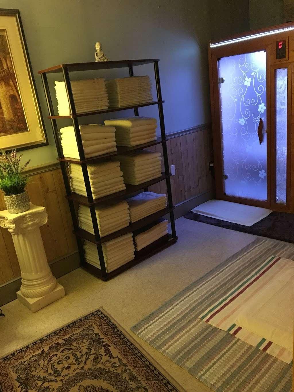 CY ACUPRESSURE - spa  | Photo 4 of 5 | Address: 7335 Hanover Pkwy, Greenbelt, MD 20770, USA | Phone: (240) 241-4198