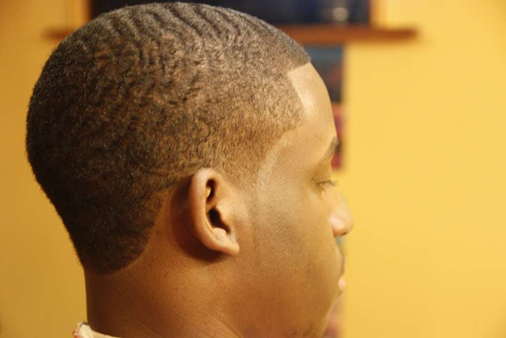 The Barbers Table - hair care  | Photo 3 of 5 | Address: 421 Valley View Rd, Englewood, NJ 07631, USA | Phone: (201) 621-3101