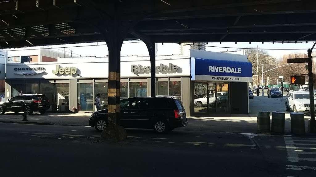 Riverdale Chrysler Jeep Dodge Ram - car dealer  | Photo 9 of 10 | Address: 5869 Broadway, Bronx, NY 10463, USA | Phone: (718) 548-2800