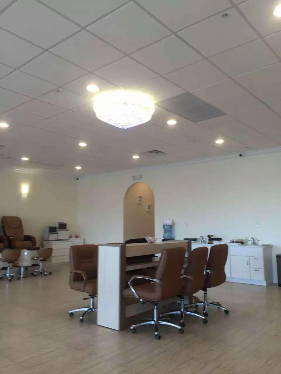 Royal Beauty Nails and Spa - hair care    Photo 4 of 9   Address: 1911, 461 US-46, Fairfield, NJ 07004, USA   Phone: (973) 227-1113