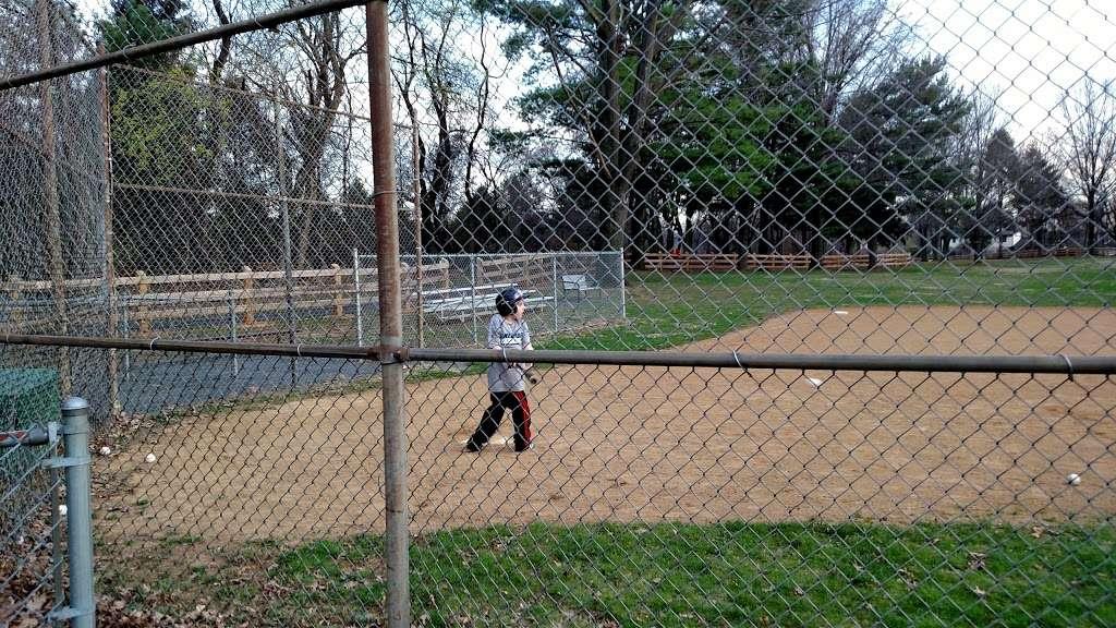 Lindberg Park - park  | Photo 8 of 10 | Address: 2800 Lindberg Ave, Allentown, PA 18103, USA | Phone: (484) 484-4848