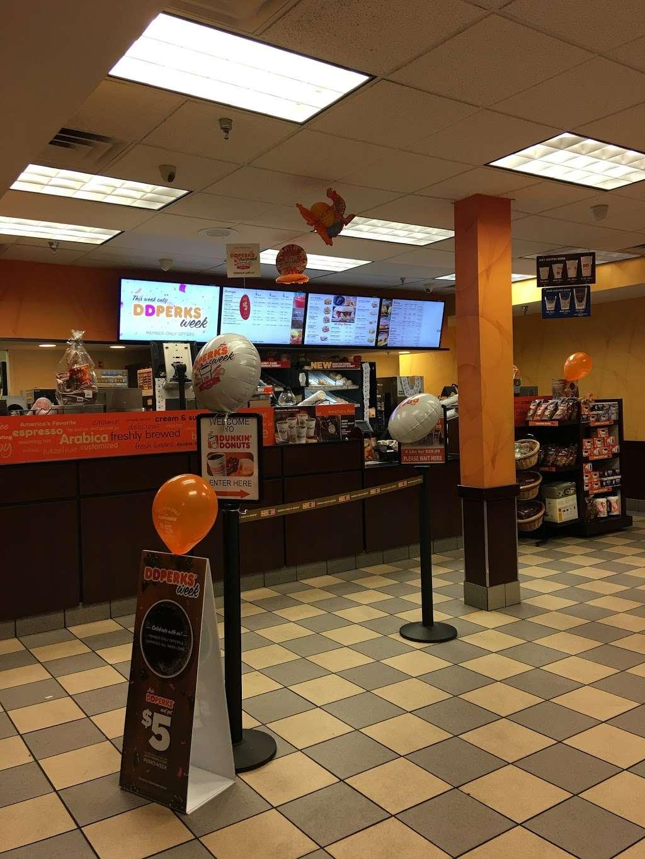 Dunkin - cafe  | Photo 4 of 10 | Address: 1 Hudson Pl, Hoboken, NJ 07030, USA | Phone: (201) 656-6061