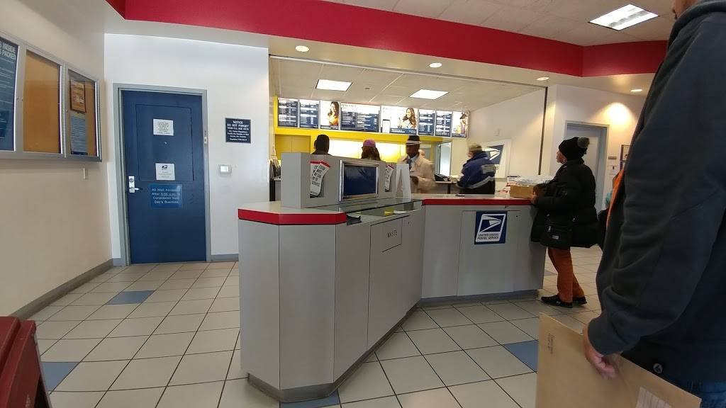 United States Postal Service - post office  | Photo 1 of 9 | Address: 752 N Main St, Mansfield, TX 76063, USA | Phone: (800) 275-8777