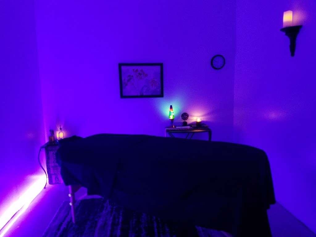 Models Massage - spa    Photo 6 of 10   Address: 7409 Shadeland Ave, Indianapolis, IN 46250, USA   Phone: (317) 362-2850