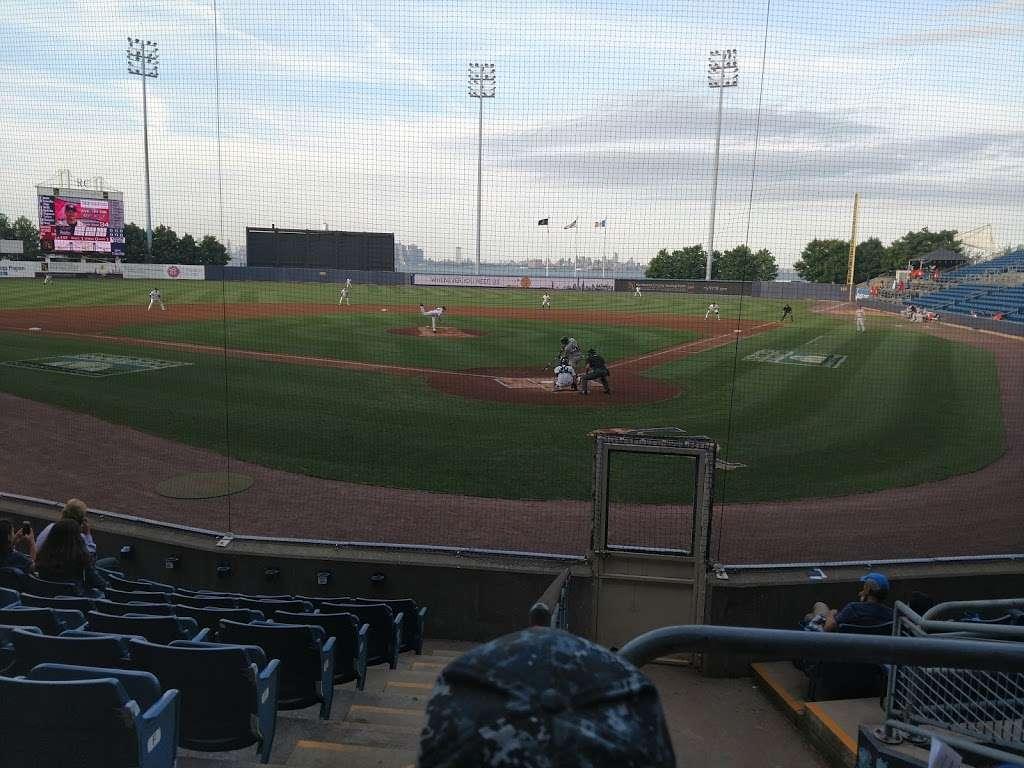 Richmond County Bank Ballpark - stadium  | Photo 8 of 9 | Address: 75 Richmond Terrace, Staten Island, NY 10301, USA | Phone: (718) 720-9265