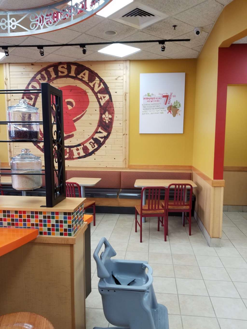 Popeyes Louisiana Kitchen - restaurant  | Photo 9 of 10 | Address: 221 W Merrick Rd, Valley Stream, NY 11580, USA | Phone: (516) 599-2506